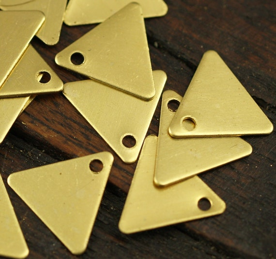 500 Pcs Raw Brass Triangle Charms 1 Holes (9 X 10 Mm) Brs 6211 ( A0048 )