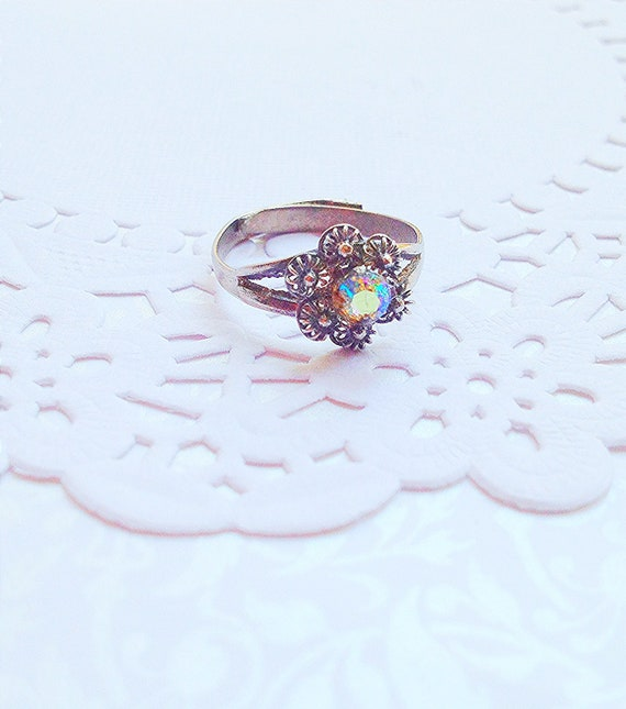 Vintage Aurora Borealis Antique Silver Tone Adjustable Ring. Flower. Iridescent Crystal. Sparkle. Gunmetal. Dainty Ring. 1980s.