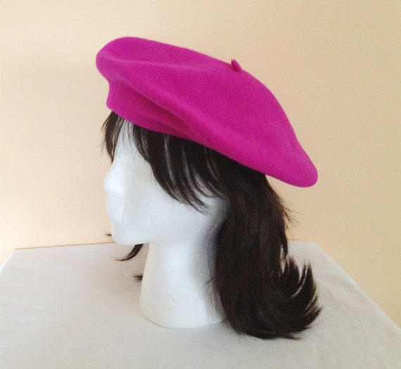 LAST ONE - Vintage Pink Wool Beret. Magenta. Hat. Accessory. Wool Hat. French Flair. 1990s. Under 30. Paris. Parisian Fashion. Winter