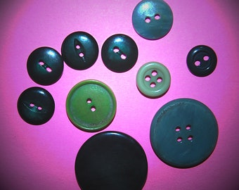 Vintage Green Mixed Buttons K2R