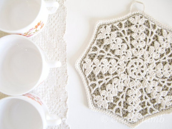 New Year SALE - LAST ONE Greta, eco friendly organic crochet potholder, rustic cream snowflake design - Ready To Ship, by Emma Lamb