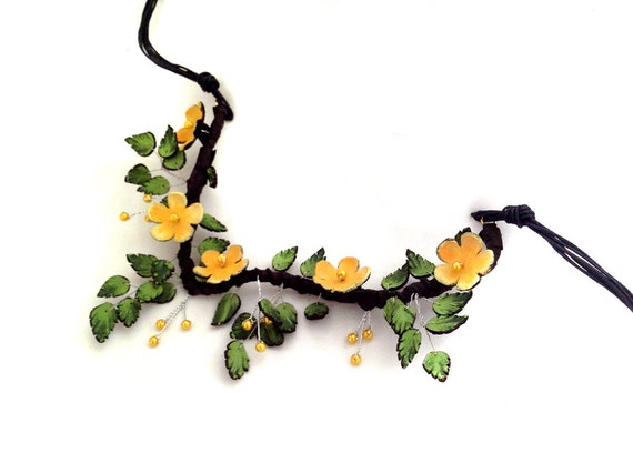Statement  necklace Fashion flowers leather necklace Yellow color