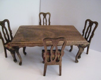 Doll house Dining table and chairs, country look dining set, dark oak set, twelfth scale. a dollhouse miniature
