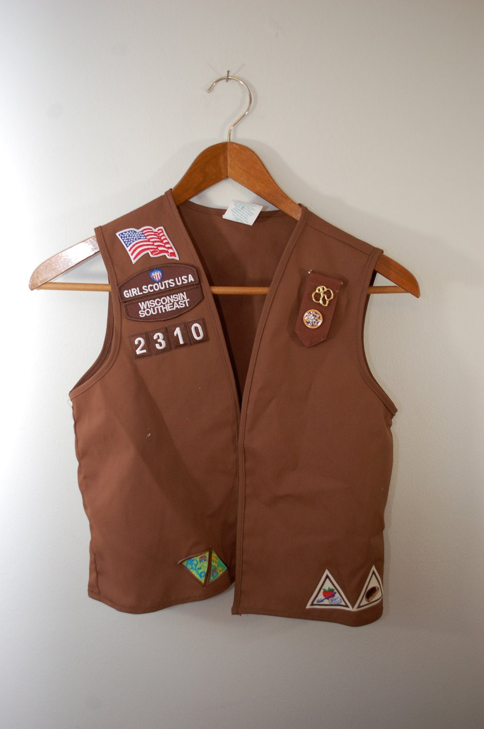 vintage girl scouts brownie vest with patches and pins medium