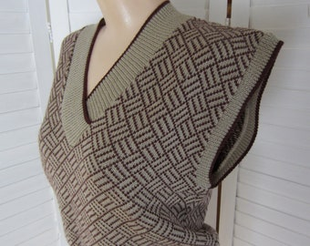 Sweater Vest, Taupe and Burgundy with Menswear Look - Size M