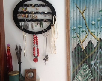 Earring rack  jewelry storage Organizer bracelet holder, Necklace holder, display holds about 70 earring pairs, 7 PEGS  Wall mounted OVAL