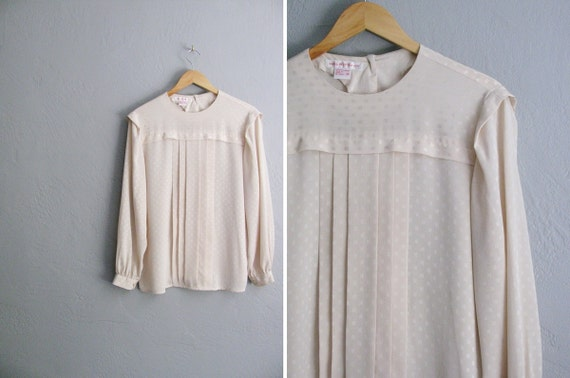 vintage '80s cream SQUARE DOT print PLEATED long sleeve blouse. size m l xl.