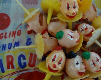 6 Darling Vintage Carnival Cupcake picks