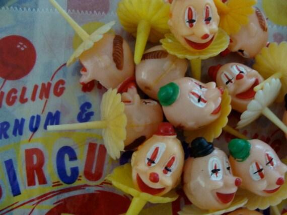 6 Darling Vintage Carnival Cupcake picks