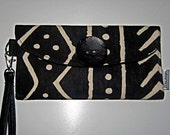 Wallet Wristlet Bridesmaids Gift Black and White African Tribal Print  Bag  Purse - Womans Fashion