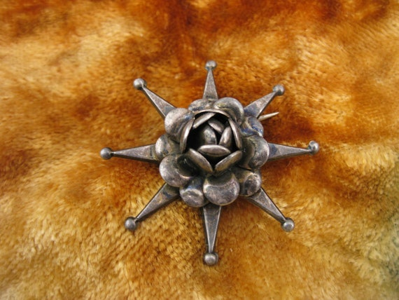Brooch - Pin - Sterling Silver - Taxco Style - Antique Jewelry - Flower - Star - Stylish - Signed Stamped
