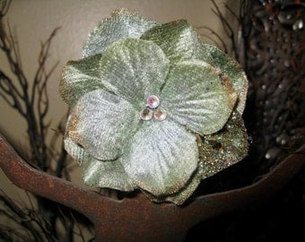 Greensleeves Flower Hair Clip