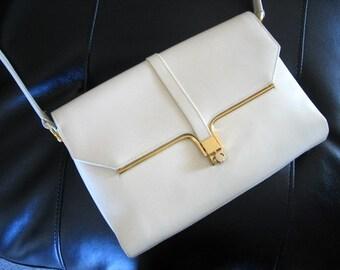 CREAM LEATHER Vintage Handbag with shoulder strap Gold Fittings