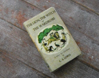 Miniature Book --- Lion, Witch, and the Wardrobe