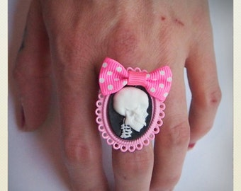 Old School Pin Up- Skull Ring, pink