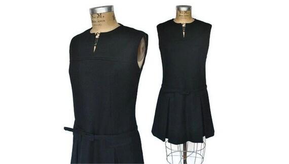 Black Scooter Mini Dress / M-L