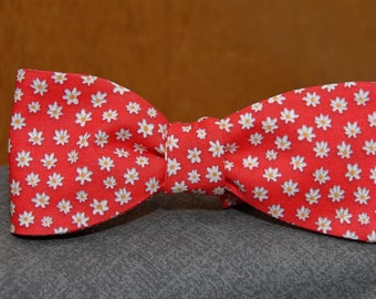 Red and White Floral Print  Bow Tie