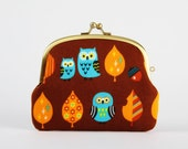 Pop up - Owls ans leaves on brown - double metal frame purse