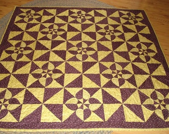 QUILT    Split Hearts    Pieced and Machine Applique Burgandy Bedding Lap Quilt