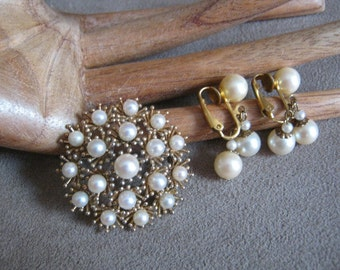 Vintage goldtone faux cream pearl brooch clipback earrings set, round faux pearl brooch and dangle earrings, antique look pin earring set