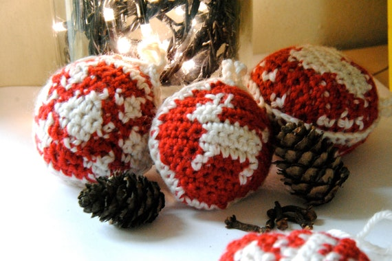 crochet pattern - festive decorations