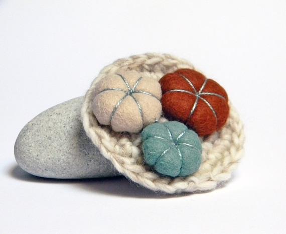 Neutral crocheted wool yarn brooch, felt flowers, teal green, chocolate brown and taupe. Yarn jewelry.
