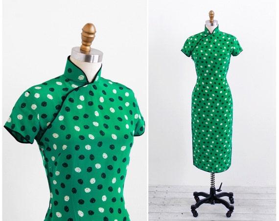 vintage 1940s dress / 1940s cheongsam / Green Umbrella Novelty Print Dress