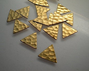 18 small flat hammered brass triangle stamping blanks, 1/2""