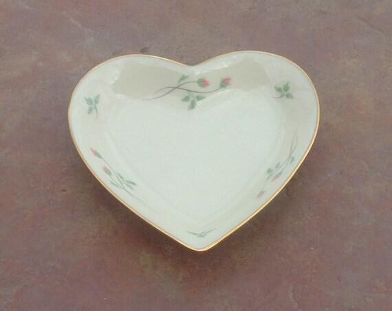 Lenox rose manor heart shaped jewelry dish by lakewaycandles for Heart shaped jewelry dish