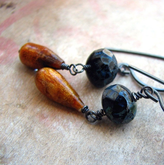 Earrings coral and glass bead rustic adventure spirit - Crossroads