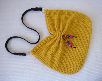 Crochet Purse Pattern: Faux Bow Hobo