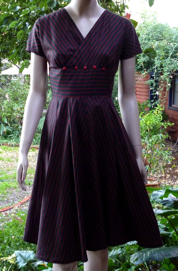The KATY Dress . A Classic 50s Reproduction Dress in black and red