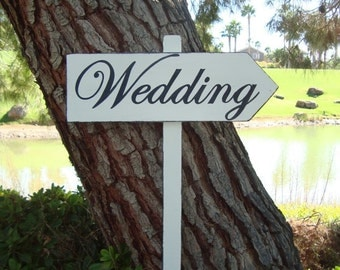 """WeDDinG SiGn - Distressed DiReCTioNaL WeDDiNg SiGnS -  """"BOLD"""" CLaSSiC Lettering - Custom Wedding Arrow SIGNS - 4ft Stake - Distressed Ivory"""