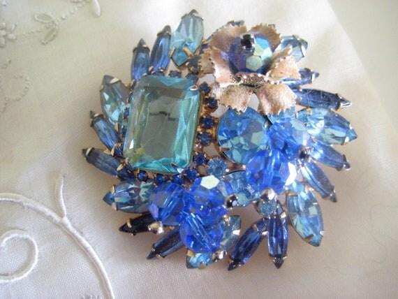 Juliana Style Vintage Brooch Blue Rhinestones Crystals