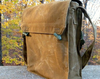 Vintage Canvas Military Messenger bag satchel .. Ipad Perfect
