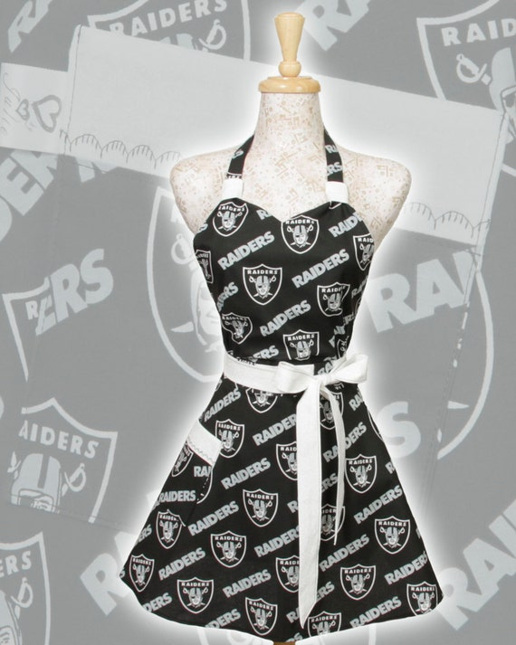 Team Apron, NFL football Oakland Raiders Silver and Black