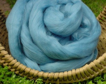 Merino Wool Roving, Aqua Blue, 4 ounces