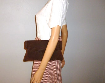 CLUTCH Move - Vintage 1960's or 70's - Chocolate Brown - Suede - Boho - Hippie - CLUTCH - Bag - 12 x 6.5 x .5