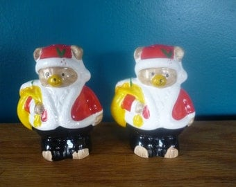 SALE Vintage Christmas Bears Salt and Pepper Shakers