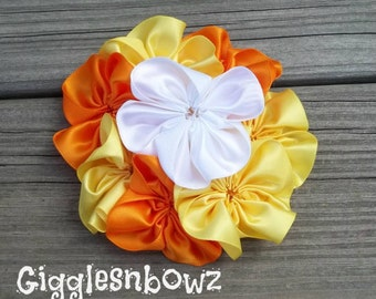 CHRiSTMaS in JuLY SaLe- Single AMAZiNG Satin CLuSTeR Flower- Candy Corn- 4 inch