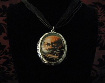 Alas, poor Yorick cameo locket