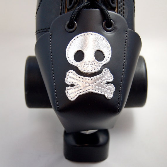 DA-45 Leather Toe Guards with Silver Skulls and Crossbones
