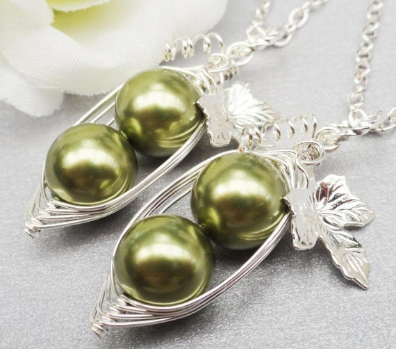 Set Of 2 Peas In A Pod Necklace 2,3 Or 4 Peas Choose Your Color Swarovski Pearls
