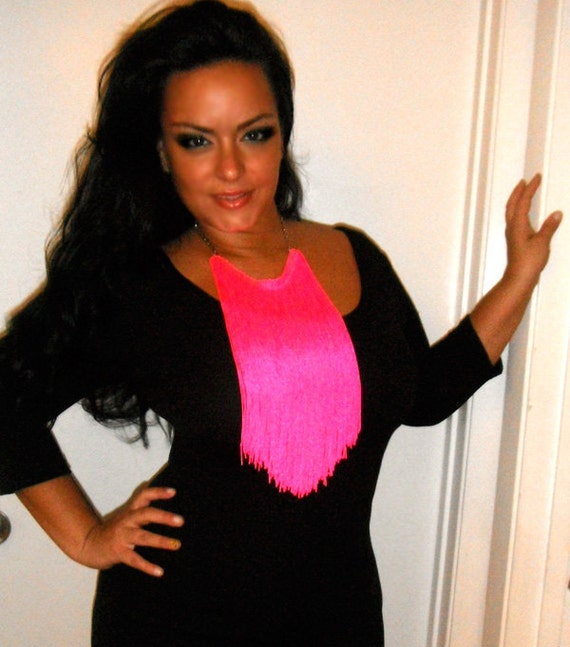 Fringe chain necklace  ...HOT NEON PINK...