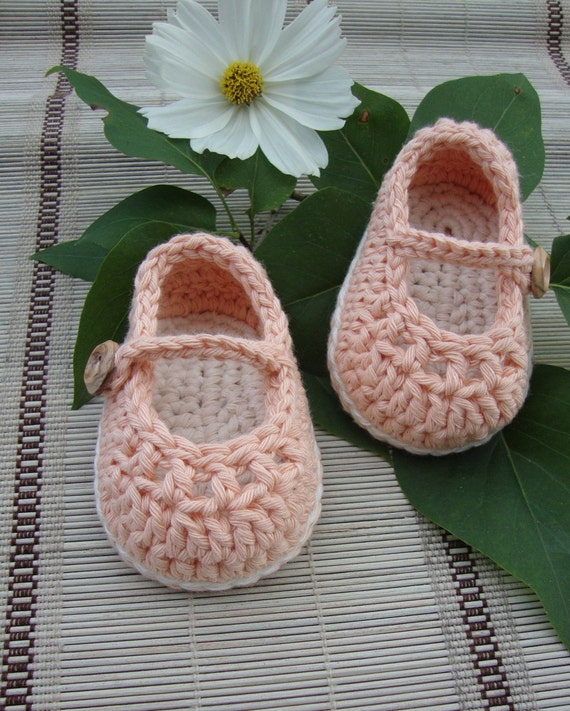 crochet baby girl shoes booties mary janes peach and cream size 0/3 months ready to ship with gift box