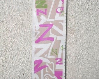 Custom Growth Chart Canvas Favorite Letter Green Pink