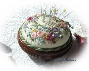 PDF PP1 Miniature Wreath of Flowers Pincushion