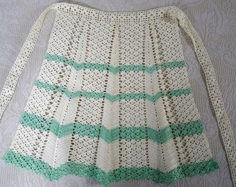 Vintage Crochet Apron Green and Cream