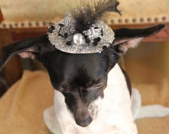 Cute silver  color  mini  hat with   feather and   flowers for dog or cat