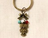 Little Owl Keychain - Beaded Keychain - Wisdom Owl - Bow - Vintage Style - Brass - Turquoise - Siam Red Cystal - White- SSJ